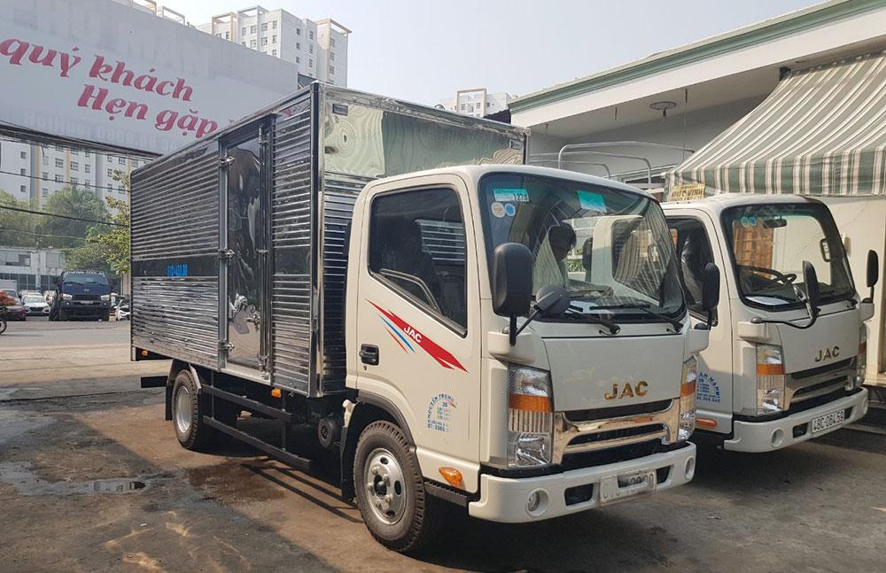 xe tải jac 1t9 đầu vuông